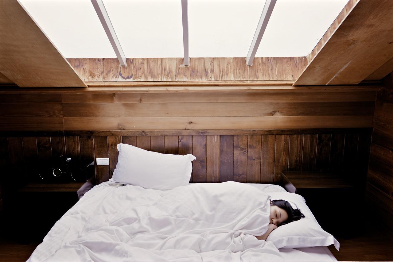 スッキリで話題!モーニングアタックの原因と対策|朝の花粉症・鼻水を止める