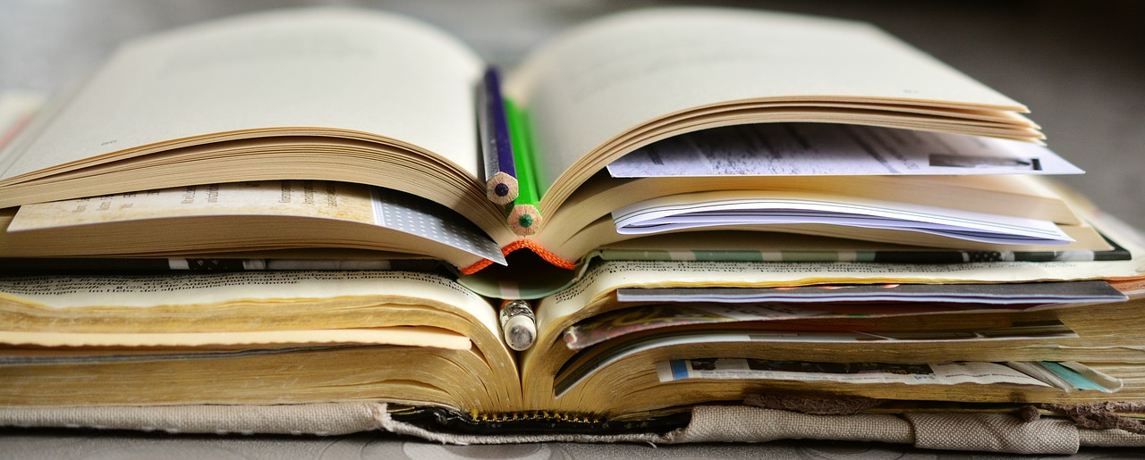 【2019年】社労士試験合格に必要な勉強時間とおすすめ独学方法&テキスト